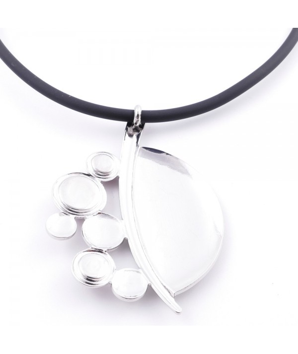 Rubber necklace with metal & cat's eye stone pendant